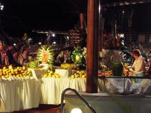 Vue d'ensemble du buffet de fruits - pont 10 extérieur