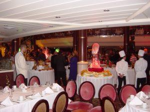 salle à manger et sa mezzanine