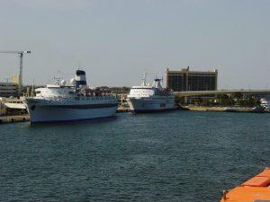 On quitte le port - d'autres navires