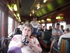 Micheline prépare sa caméra