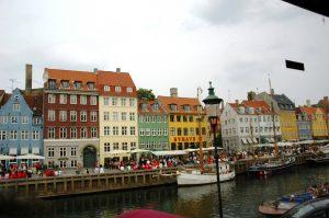 Les canaux et maisons typiques