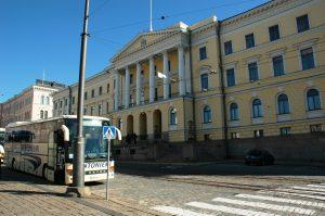 Le square du Sénat - Auparavant, il a hébergé le Sénat du Grand Duché de Finlande qui fonctionna de 1822 à 1918.