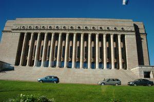 Le PARLEMENT, cet édifice, oeuvre de l'architecte J. S. Sirén