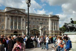La foule à La relève de la Garde au Palais Buckingham