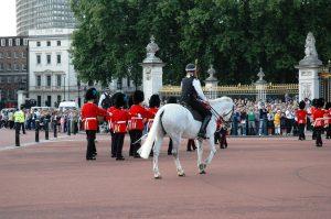 La relève de la Garde Royale au Palais Buckingham