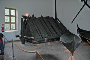 Chambre funéraire retrouvée dans un navire Viking