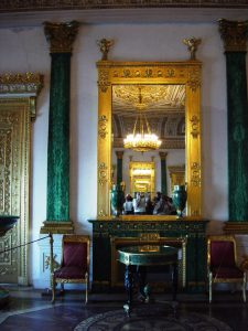 Palais d'hiver - salon malachite - enfilade de miroirs
