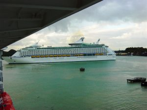 L'Explorer of the seas arrive au port