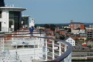 Vue du port et de la ville depuis le pont 11