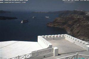 Le bateau a Santorini sur les webcam