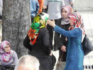 Les femmes autour de Hagia Sophia