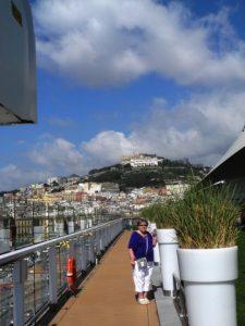 Sur le pont 15 devant Naples
