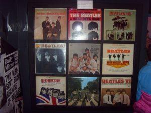 Musée Beatles Story - American version des albums