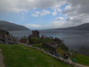 Chateau Urquhart devant le loch ness