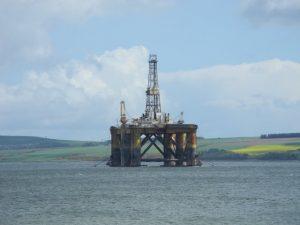 Plateforme petrolière en réparation