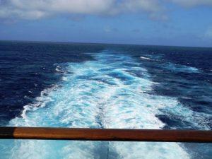 Sillage du bateau vue de la cabine