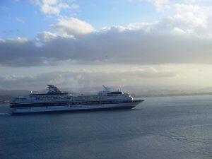 Le Celebrity INFINITY quitte le port
