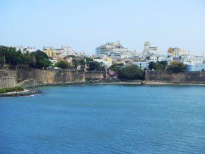 Le fort San Felipe del Morro et la ville
