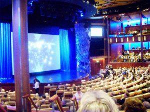L'intérieur du théâtre
